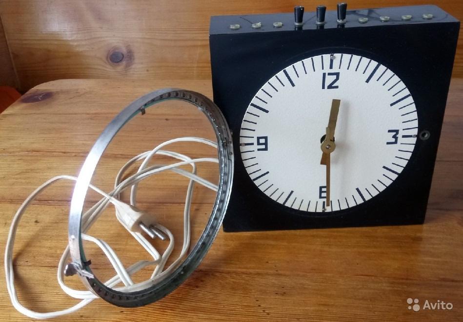 Horloge médicale de la Fabrique EMA de Moscou 53049011