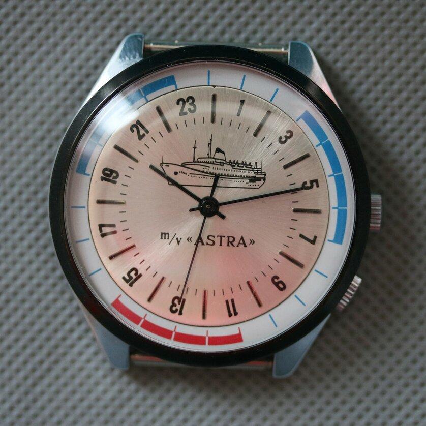 Les Raketa 24 heures soviétiques (2e partie: Les 2623.H spéciales) Astra110