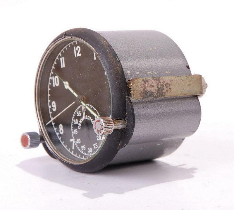 Une horloge technique 60ЧП B22
