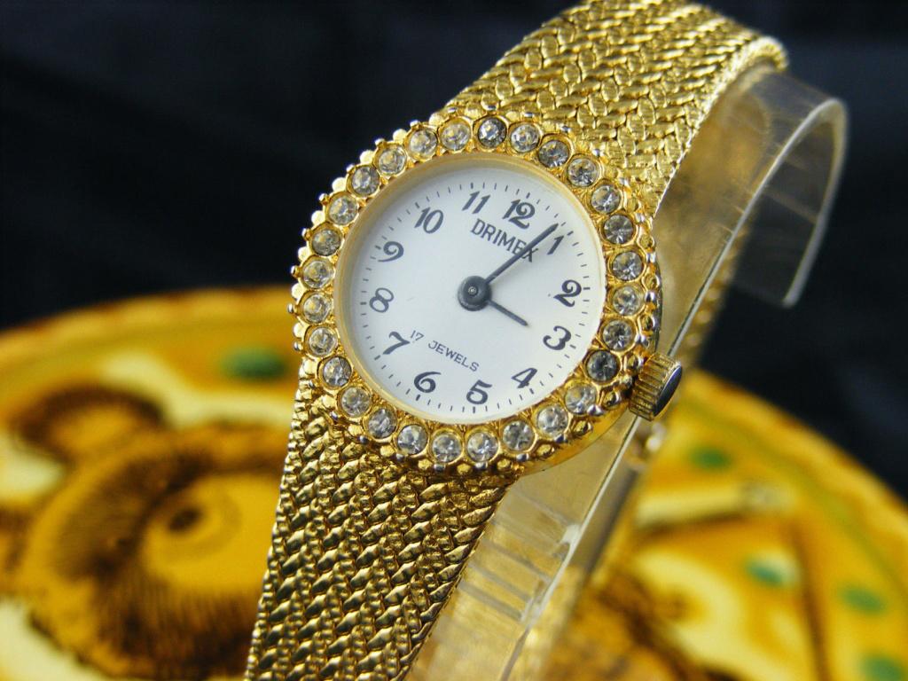 Les montres soviéto-hong-kongaises B25