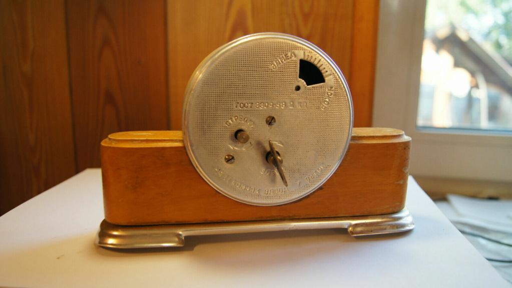 Horloge de table Voskhod et petite histoire de la Fabrique d'Horloges de Serdobsk B44