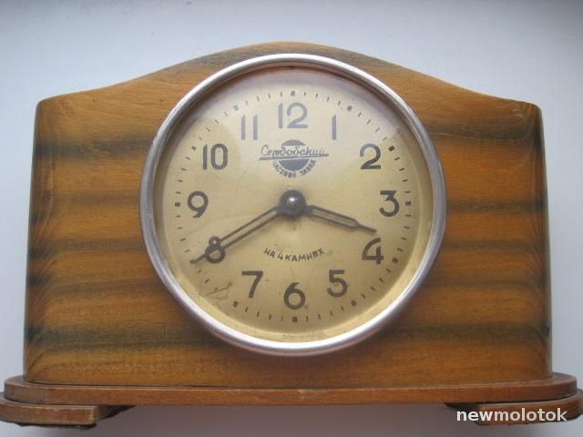 Horloge de table Voskhod et petite histoire de la Fabrique d'Horloges de Serdobsk Big_ce10