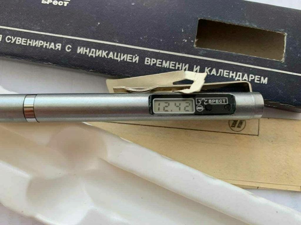 """Un stylo-montre de la Fabrique """"Tsvetotron"""" C44"""