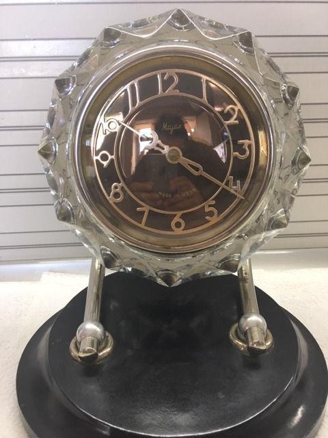 Horloge de table Voskhod et petite histoire de la Fabrique d'Horloges de Serdobsk Decb9110