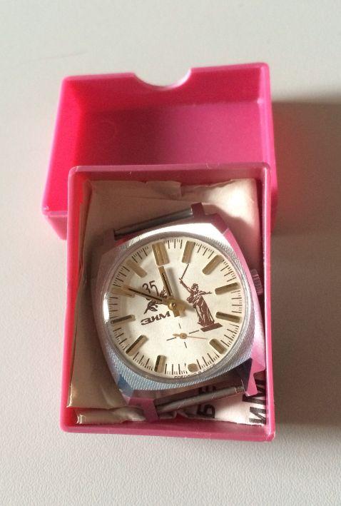 Les montres soviétiques commémoratives de la victoire  Foto_310