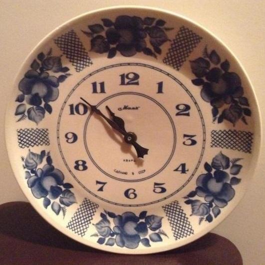 Une horloge Mayak en faience de Gjel Gjel1110