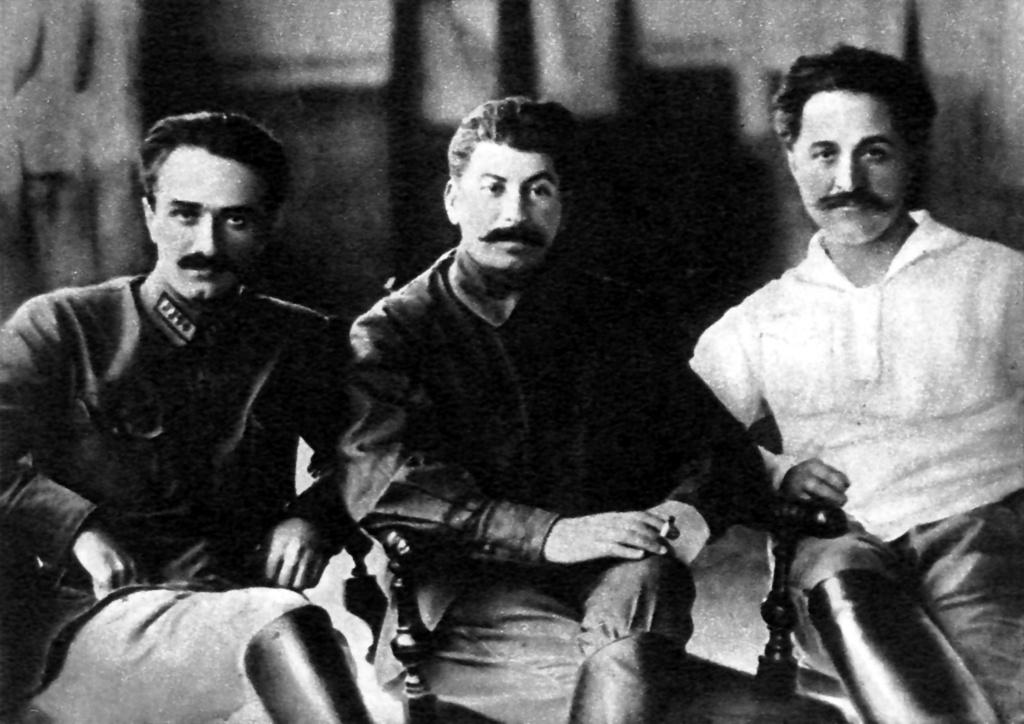 Horloge Strela et petite histoire de la Fabrique d'instruments d'Ordzhonikidze Ordzho10