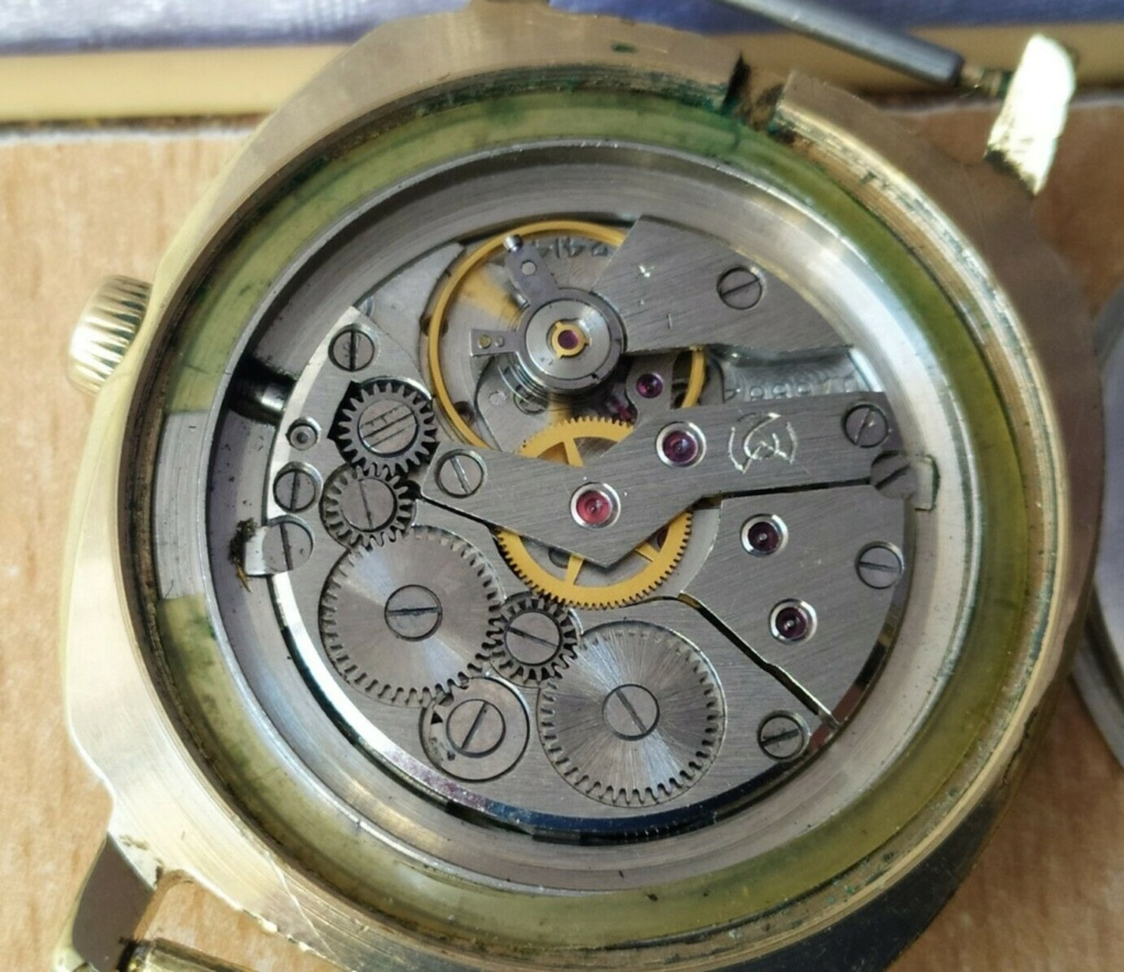 Des montres soviéto-roumaines: les OREX Orex1c10