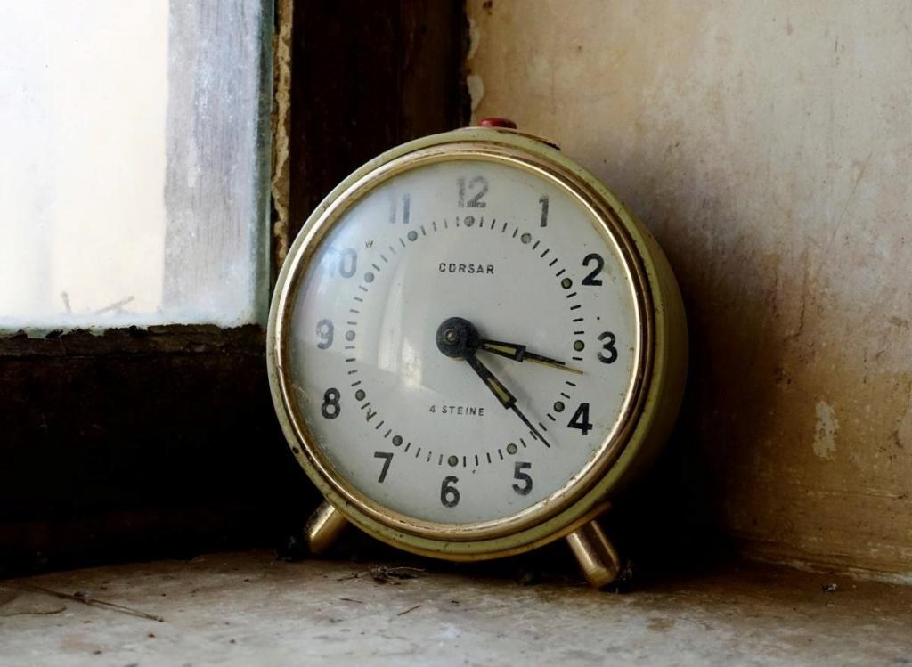 Kuco, Corsar: La distribution des montres soviétiques en Allemagne Reveil10