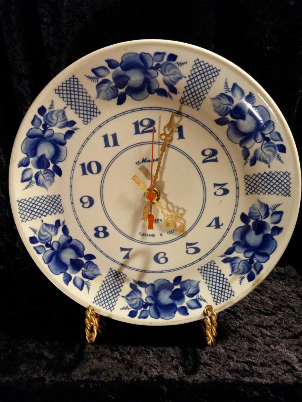 Une horloge Mayak en faience de Gjel S-l16117
