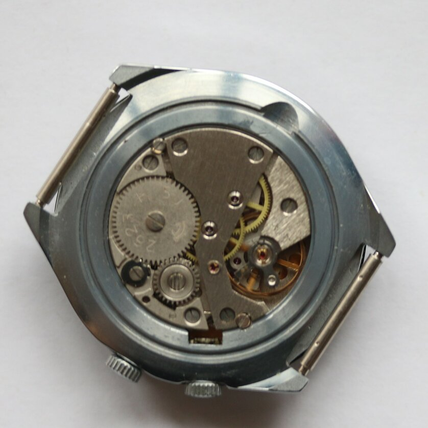 Les Raketa 24 heures soviétiques (2e partie: Les 2623.H spéciales) Sama210