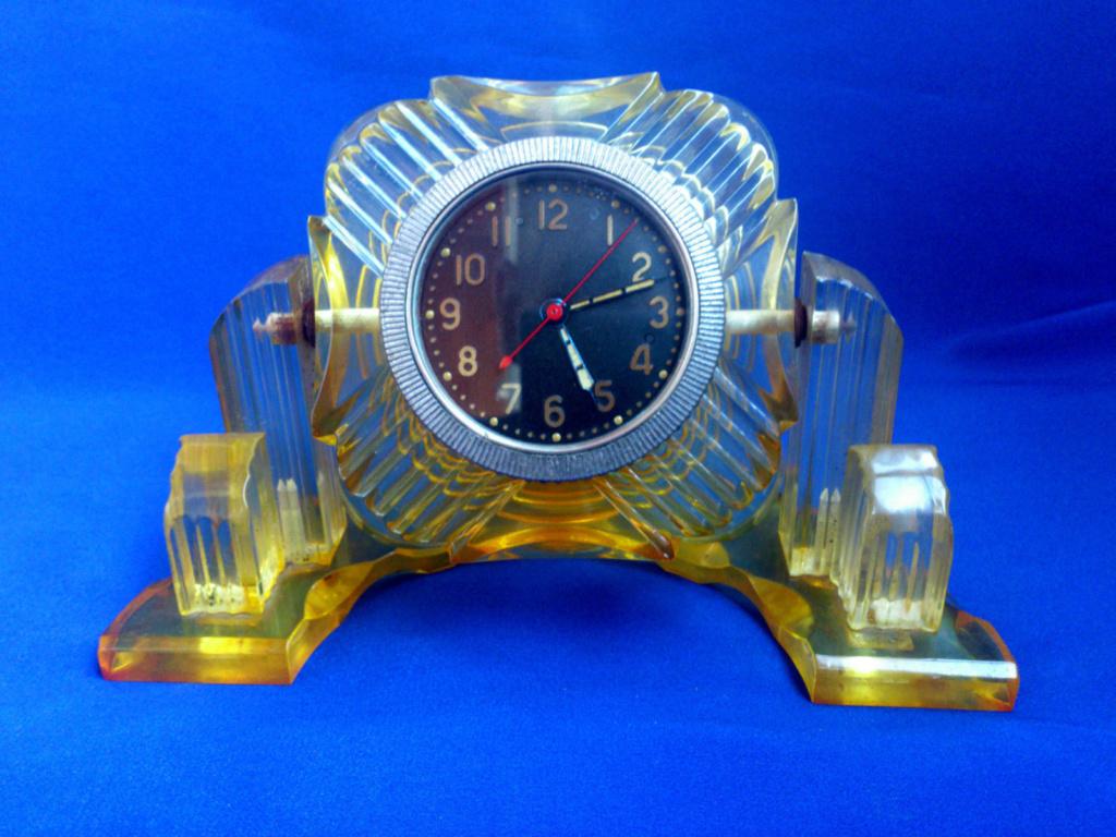 """Horloge de table """"Tank"""" de Molnija Tank10"""