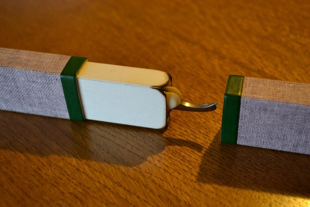 Étuis en cartonnette, toile de lin et cuir fin Cases_13