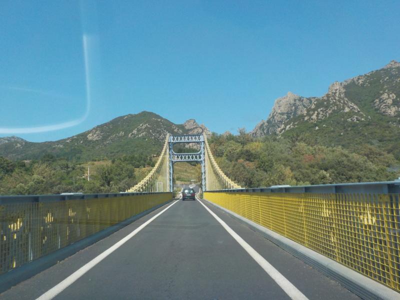 Le pont, incontournable du paysage routier - Page 4 Dscn5116