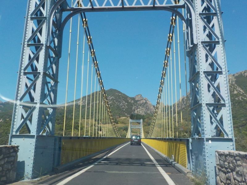 Le pont, incontournable du paysage routier - Page 4 Dscn5117