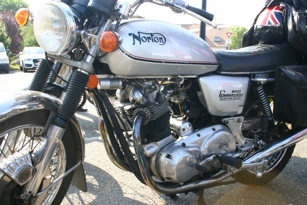 Montfort l'Amaury tous les 2èmes dimanches du mois Img_3322