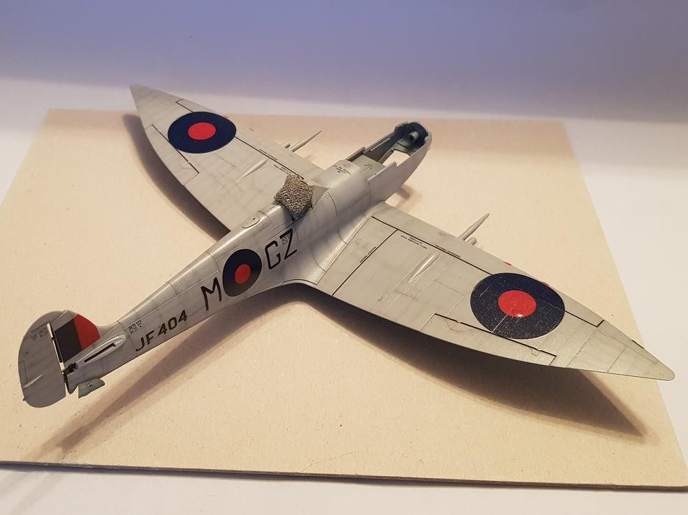Spitfire Mk.VIII HF Eduard 1/48 - Page 2 2019-034