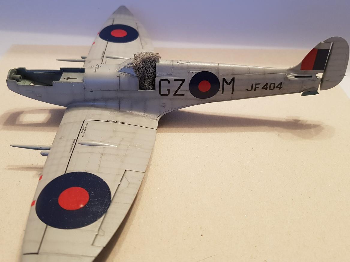 Spitfire Mk.VIII HF Eduard 1/48 - Page 2 2019-035