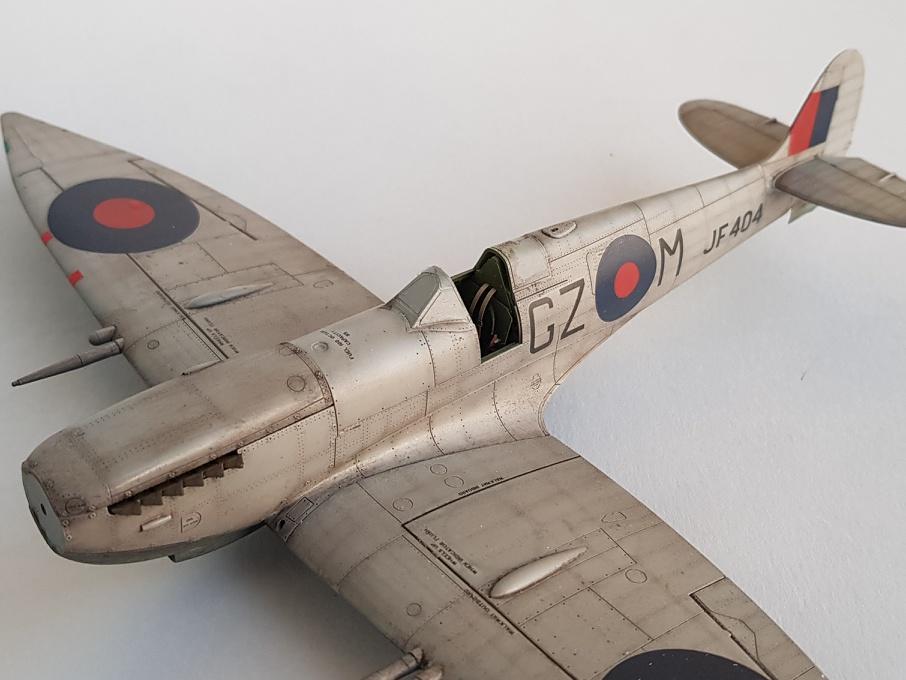 Spitfire Mk.VIII HF Eduard 1/48 - Page 2 2019-041