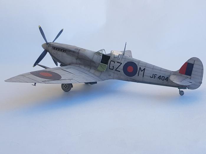 Spitfire Mk.VIII HF Eduard 1/48 - Page 2 2019-063