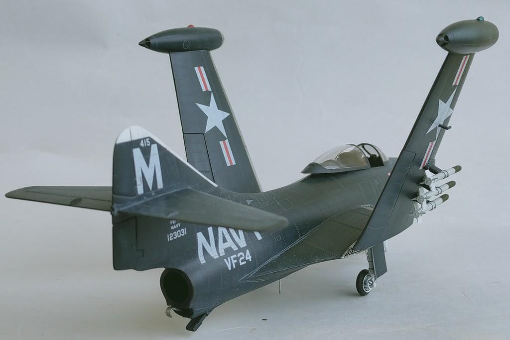 Grumman F9F-3 Panther (Trumpeter 1/48) F9f-4110