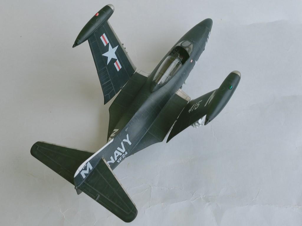 Grumman F9F-3 Panther (Trumpeter 1/48) F9f-4210