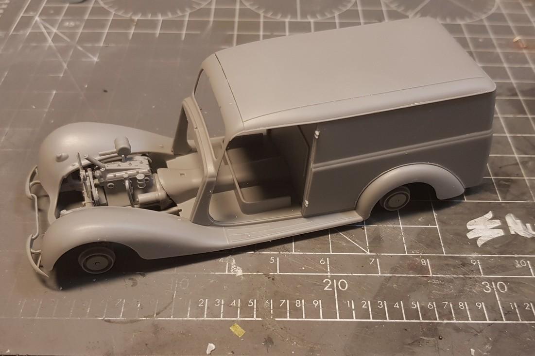 Camionnette Mercedes 170V (MiniArt au 1/35) Montag18