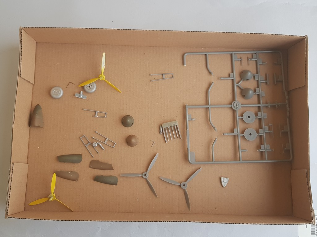 Westland Whirlwind (Trumpeter 1/48, et un peu d'Eduard)... - Page 2 Whirlw14