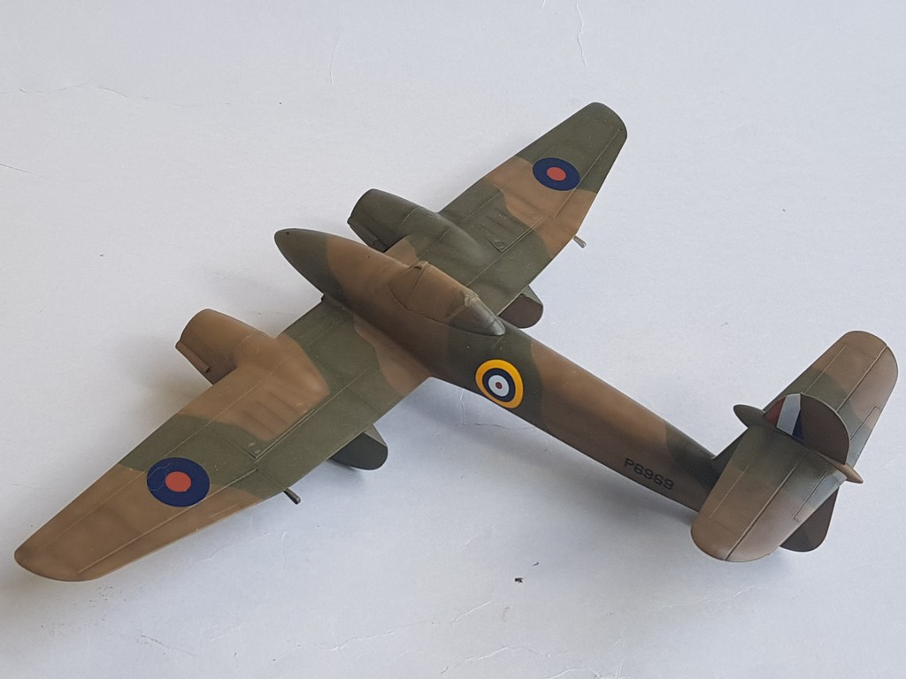Westland Whirlwind (Trumpeter 1/48, et un peu d'Eduard)... - Page 3 Whirlw40