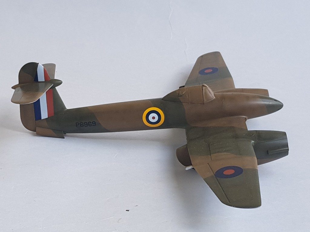 Westland Whirlwind (Trumpeter 1/48, et un peu d'Eduard)... - Page 3 Whirlw41