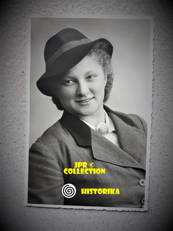 Portraits de femmes sous l uniforme allemand  Bg10