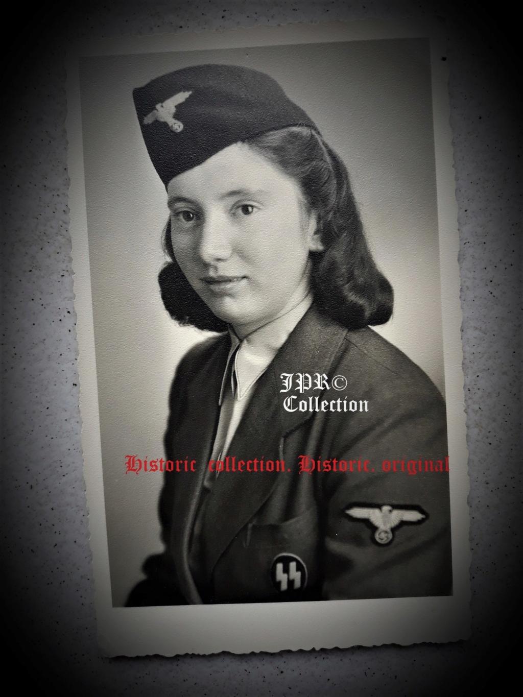 Portraits de femmes sous l uniforme allemand  Fo_2_b10