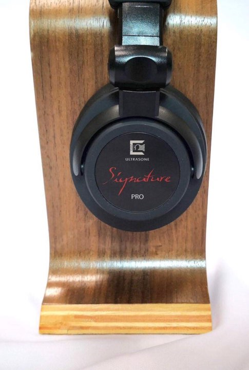 Ultrasone Signature Pro Headphones (Showroom Unit)  57435710