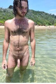 Nudiste au soleil? ou naturiste à l'ombre ? Pont_211