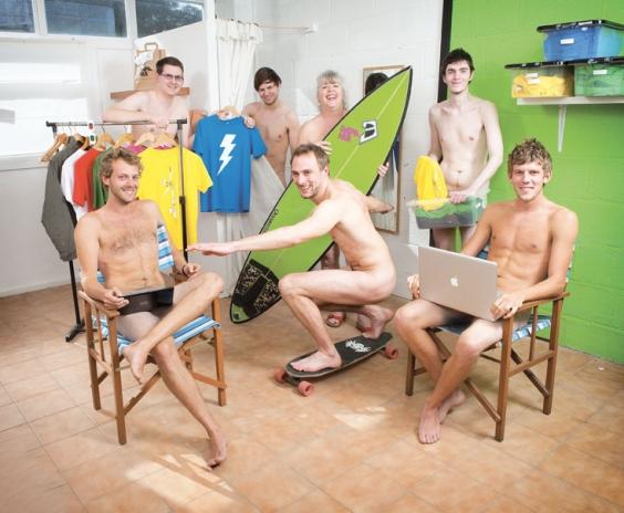 Aimeriez-vous travailler nu avec vos collègues nus ? - Page 2 Rapanu10