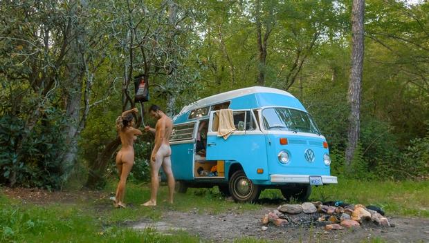 Faites-vous des sorties naturistes en couple? Xxnt_u10