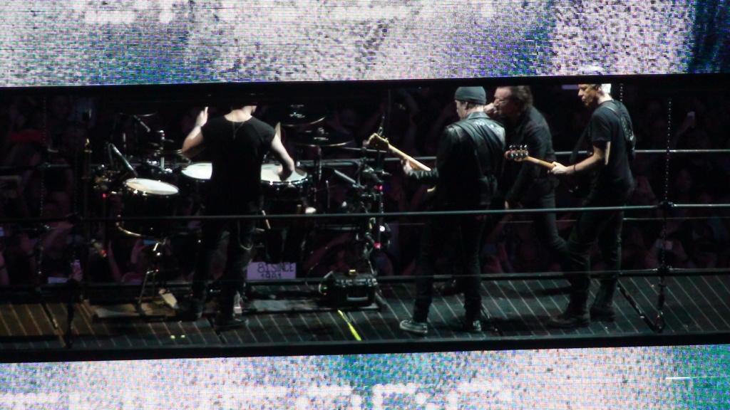 El topic de U2, tambien te puedes poner un tema de U2 - Página 17 Dsc00515