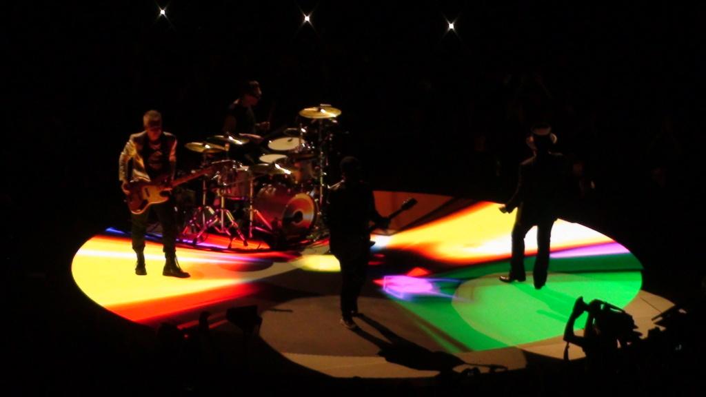 El topic de U2, tambien te puedes poner un tema de U2 - Página 17 Dsc00611