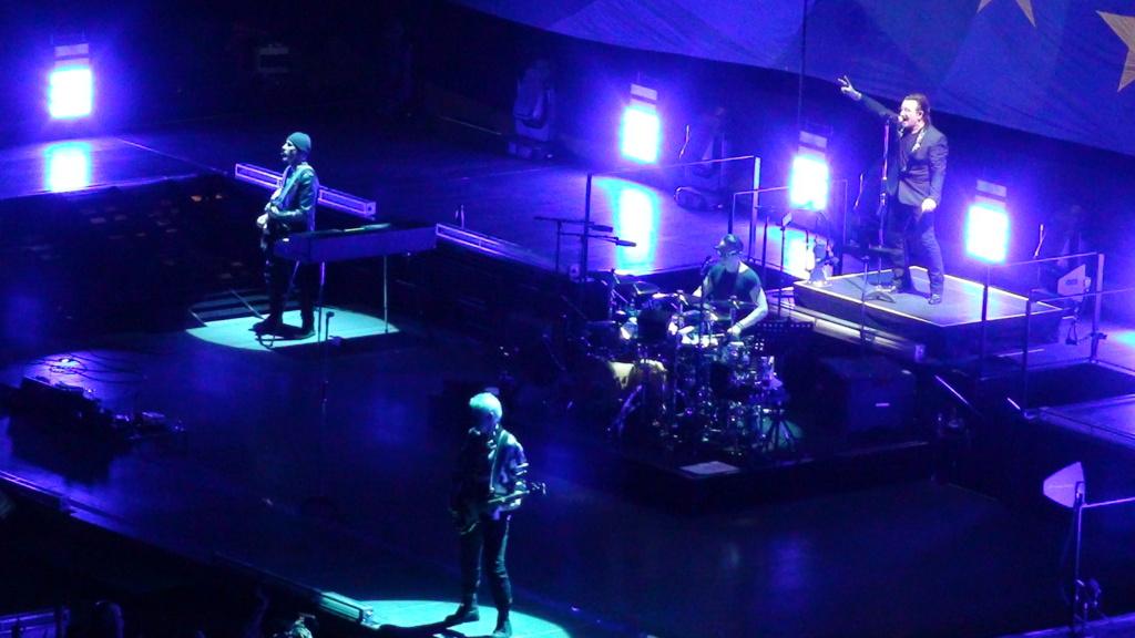 El topic de U2, tambien te puedes poner un tema de U2 - Página 17 Dsc00711