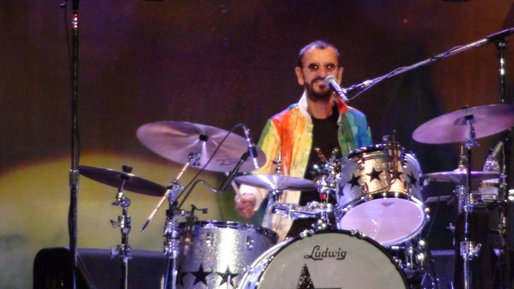 Ringo Starr quiere grabar con McCartney y Dylan - Página 2 Dsc01610