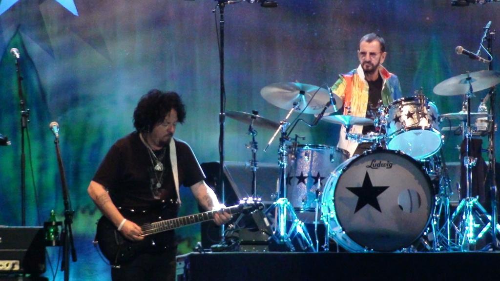 Ringo Starr quiere grabar con McCartney y Dylan - Página 2 Dsc01612
