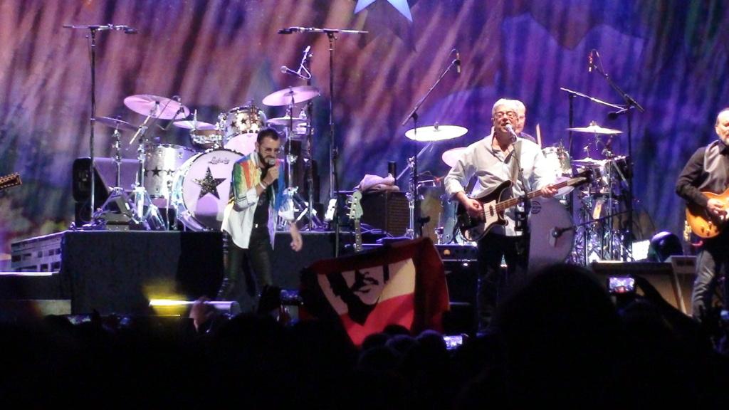 Ringo Starr quiere grabar con McCartney y Dylan - Página 2 Dsc01613
