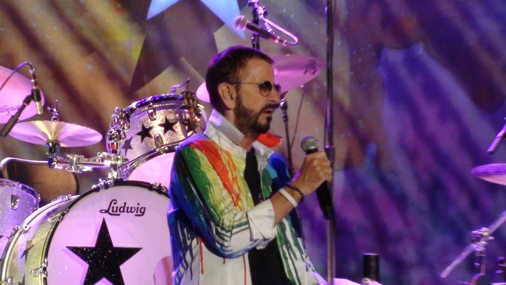 Ringo Starr quiere grabar con McCartney y Dylan - Página 2 Dsc01614