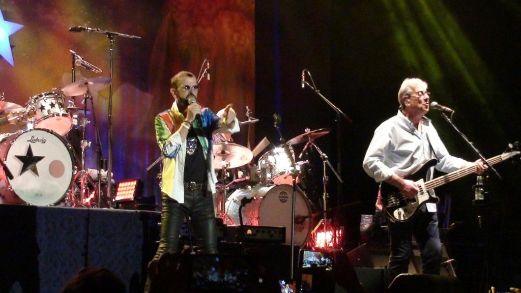 Ringo Starr quiere grabar con McCartney y Dylan - Página 2 Dsc01616