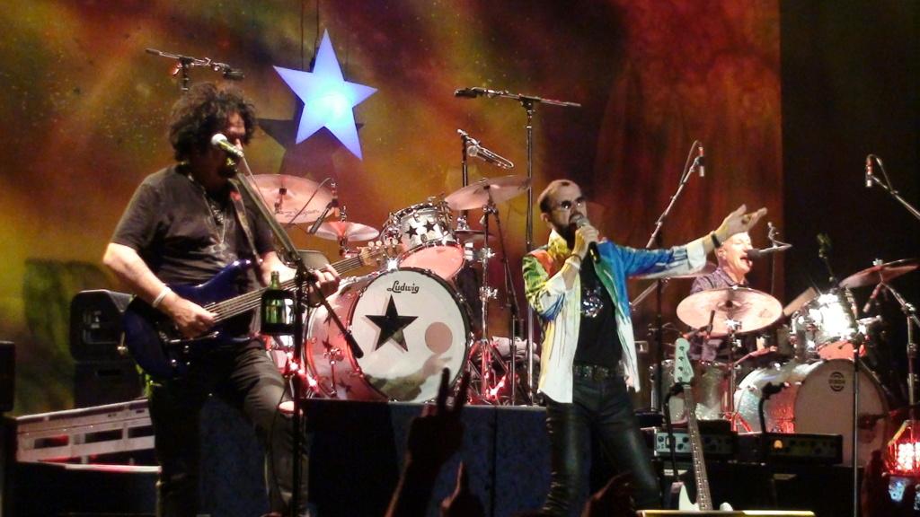 Ringo Starr quiere grabar con McCartney y Dylan - Página 2 Dsc01617