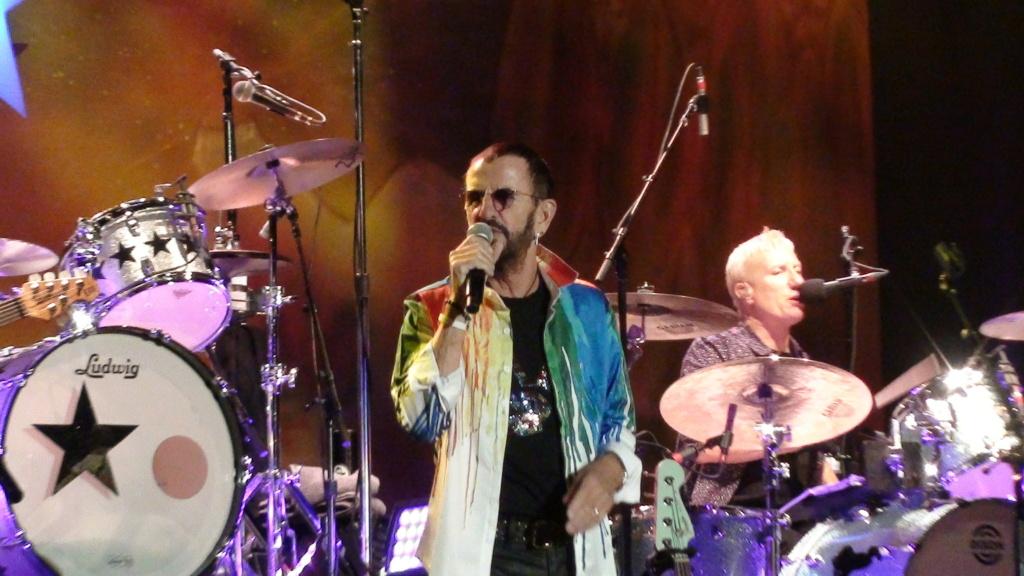 Ringo Starr quiere grabar con McCartney y Dylan - Página 2 Dsc01618