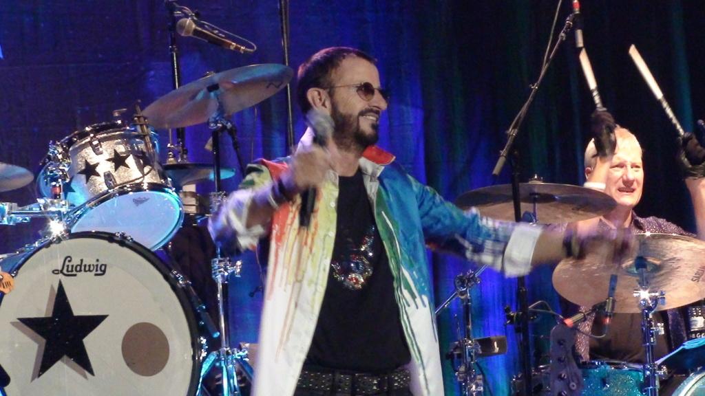 Ringo Starr quiere grabar con McCartney y Dylan - Página 2 Dsc01619