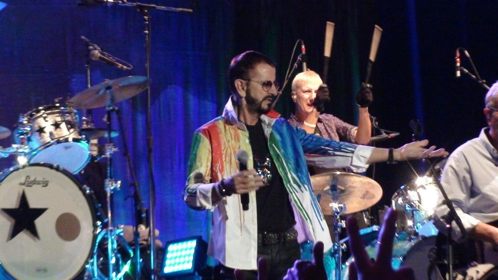 Ringo Starr quiere grabar con McCartney y Dylan - Página 2 Dsc01620