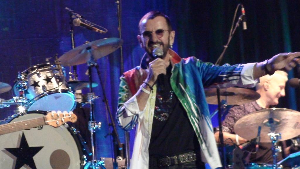 Ringo Starr quiere grabar con McCartney y Dylan - Página 2 Dsc01621