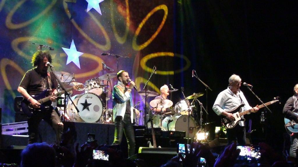 Ringo Starr quiere grabar con McCartney y Dylan - Página 2 Dsc01622